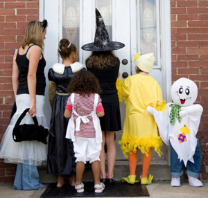 7 Trick-or-Treating Safety Tips for a Fun-tastic Halloween