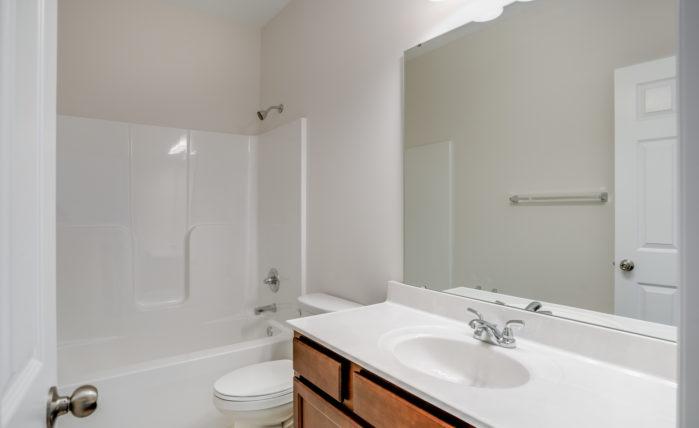 Annapolis Hall Bath